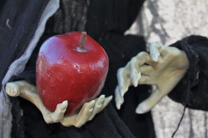 魔女とリンゴ